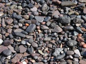 Гравий (наибольший фрагмент около 4 см)