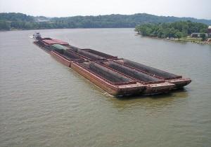 Транспортировка угля баржами
